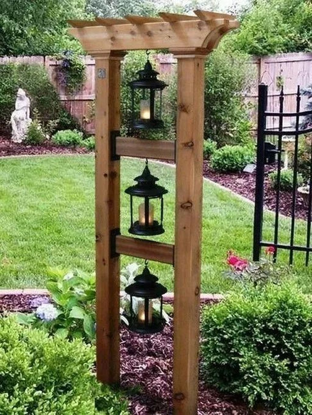 Beautiful Garden Landscaping Ideas 18