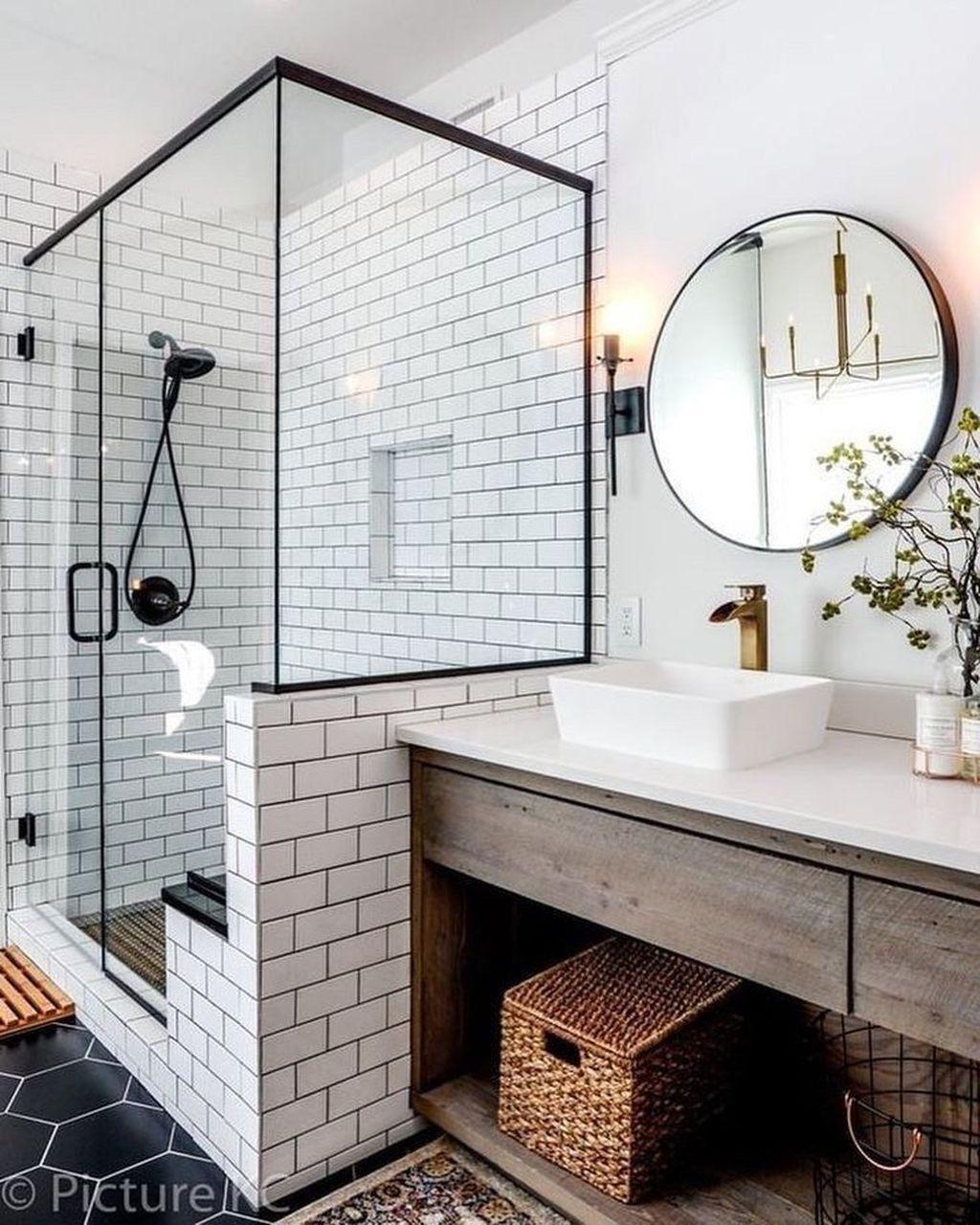 Beautiful Master Bathroom Design Ideas 01