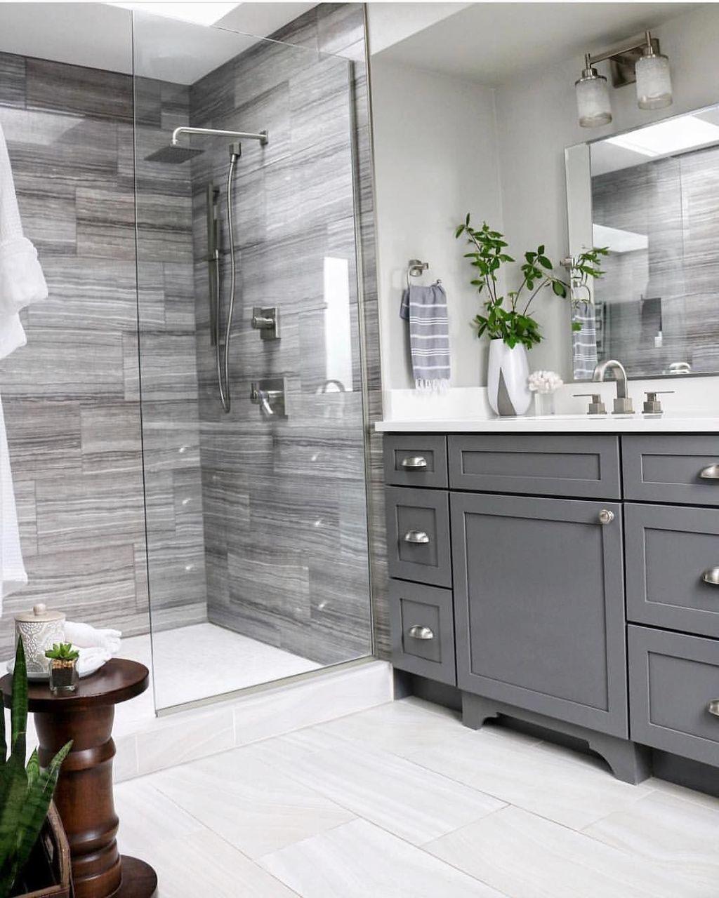 Beautiful Master Bathroom Design Ideas 03