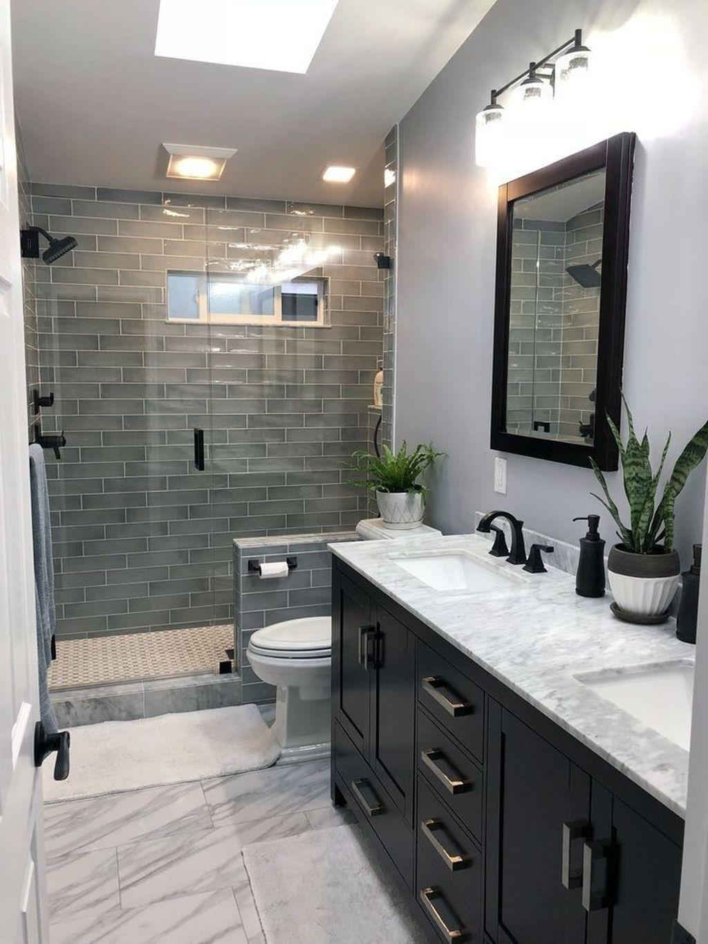 Beautiful Master Bathroom Design Ideas 37