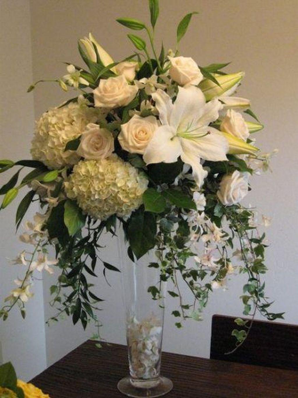 Beautiful Modern Flower Arrangements Design Ideas 07