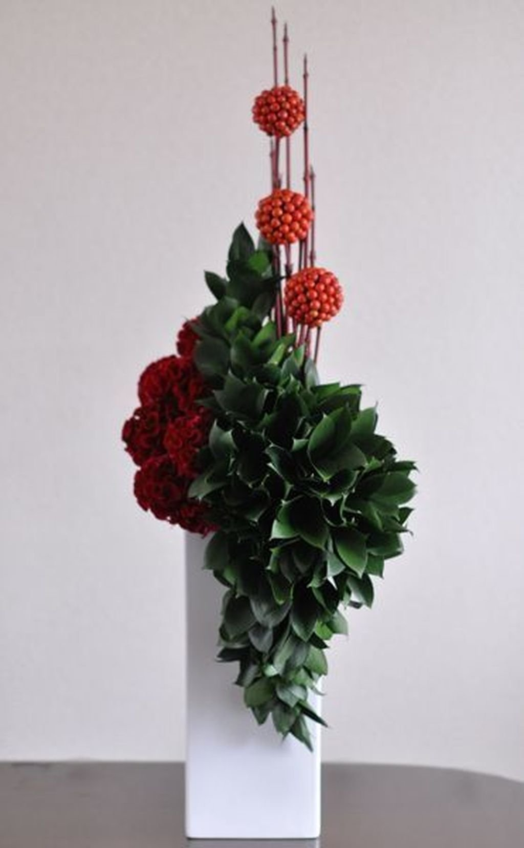 Beautiful Modern Flower Arrangements Design Ideas 11