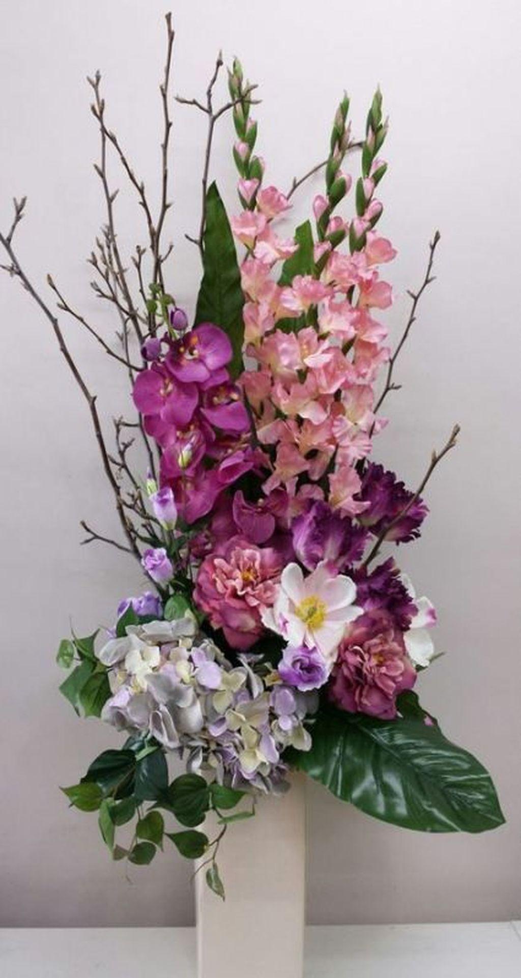 Beautiful Modern Flower Arrangements Design Ideas 12
