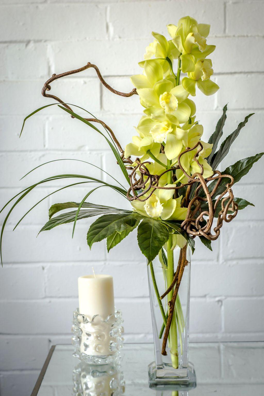 Beautiful Modern Flower Arrangements Design Ideas 21