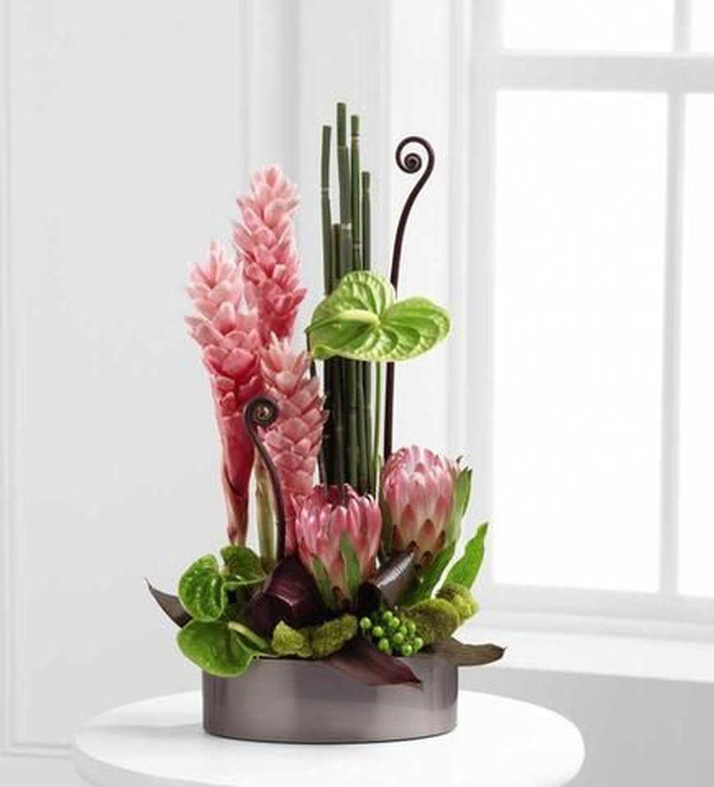 Beautiful Modern Flower Arrangements Design Ideas 24