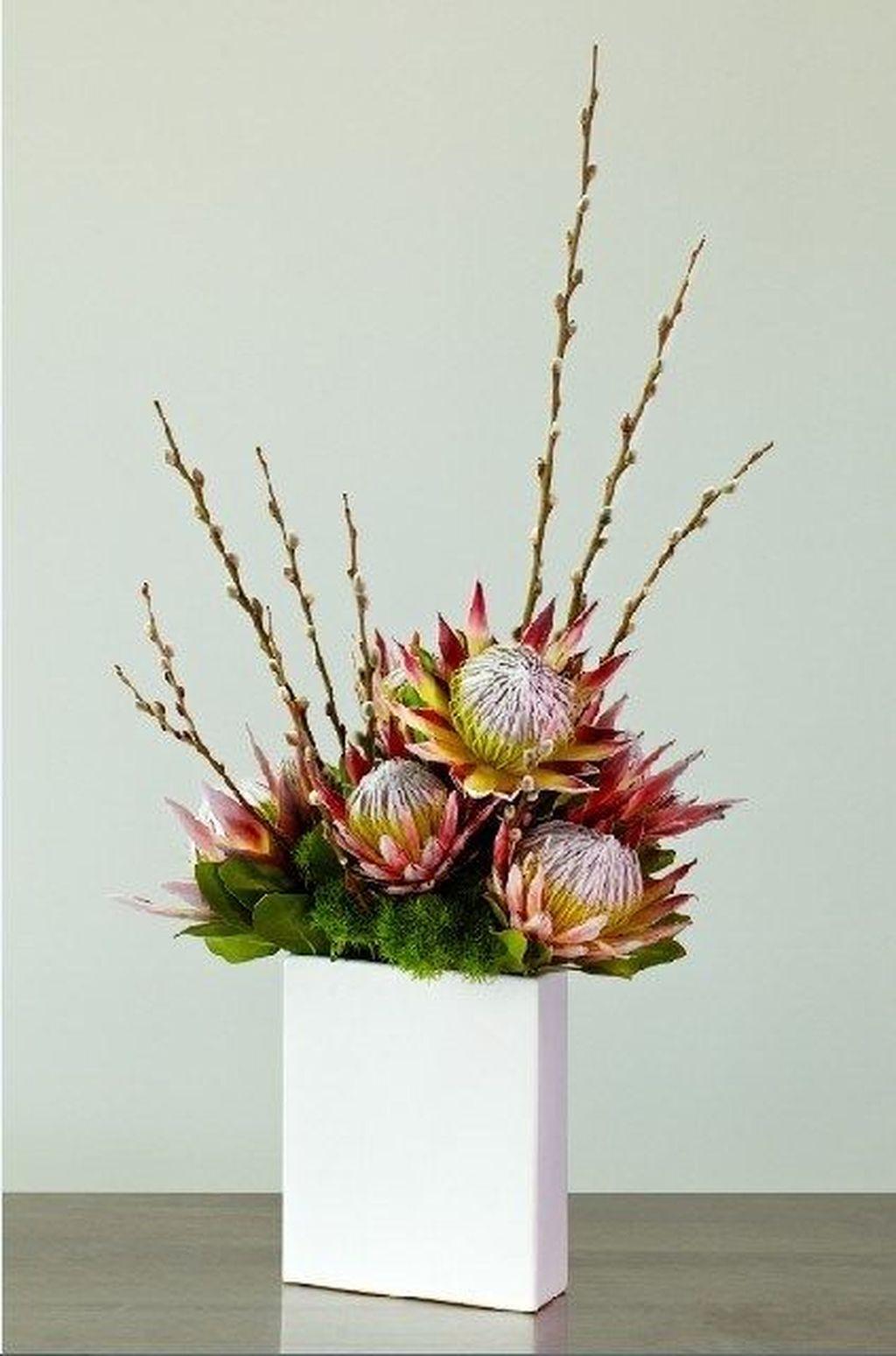 Beautiful Modern Flower Arrangements Design Ideas 26