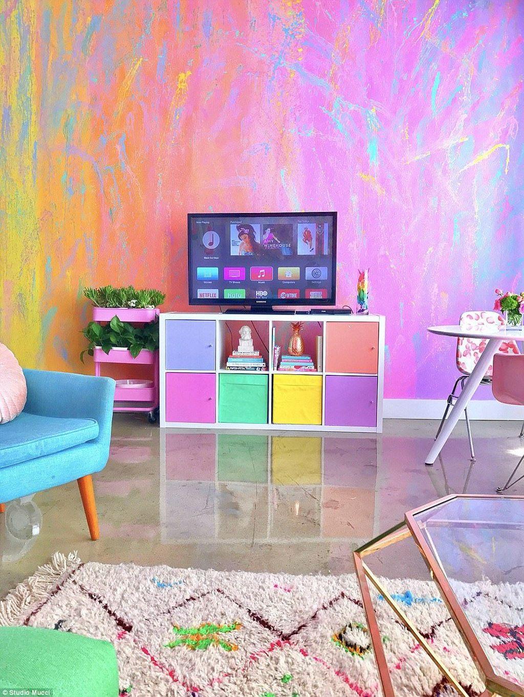 Fabulous Colorful Apartment Decor Ideas 33