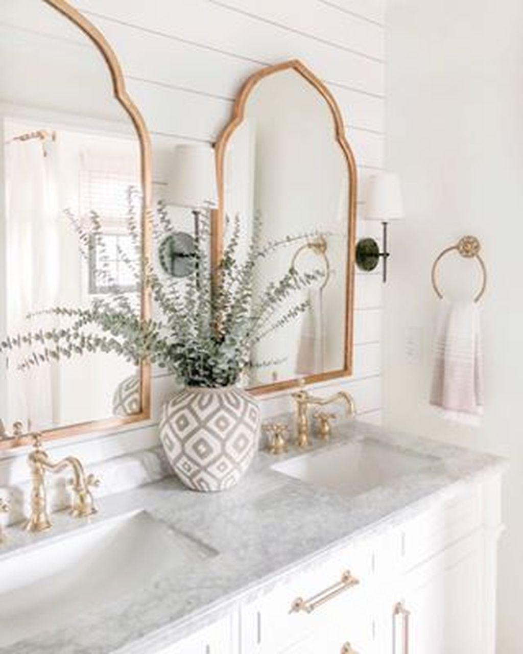 Fabulous Modern Master Bathroom Design Ideas 12