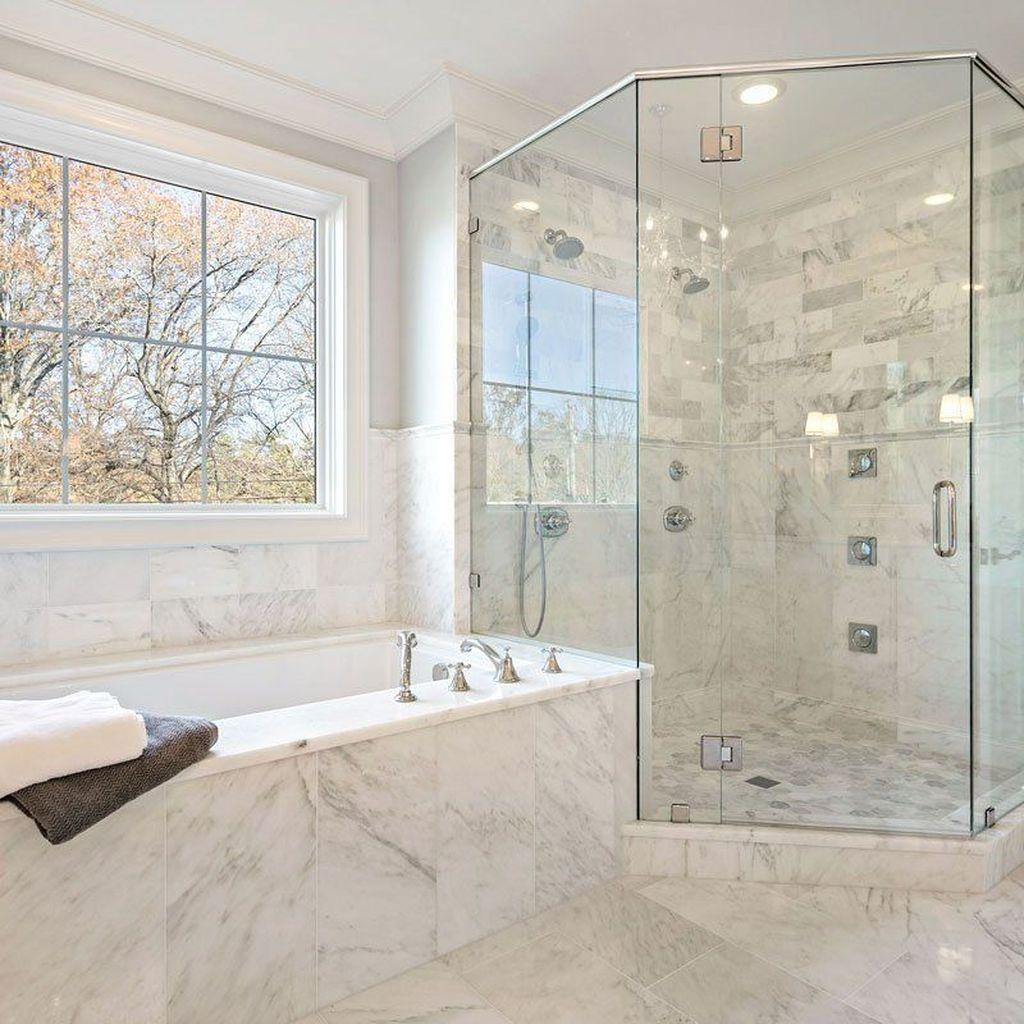 Fabulous Modern Master Bathroom Design Ideas 17