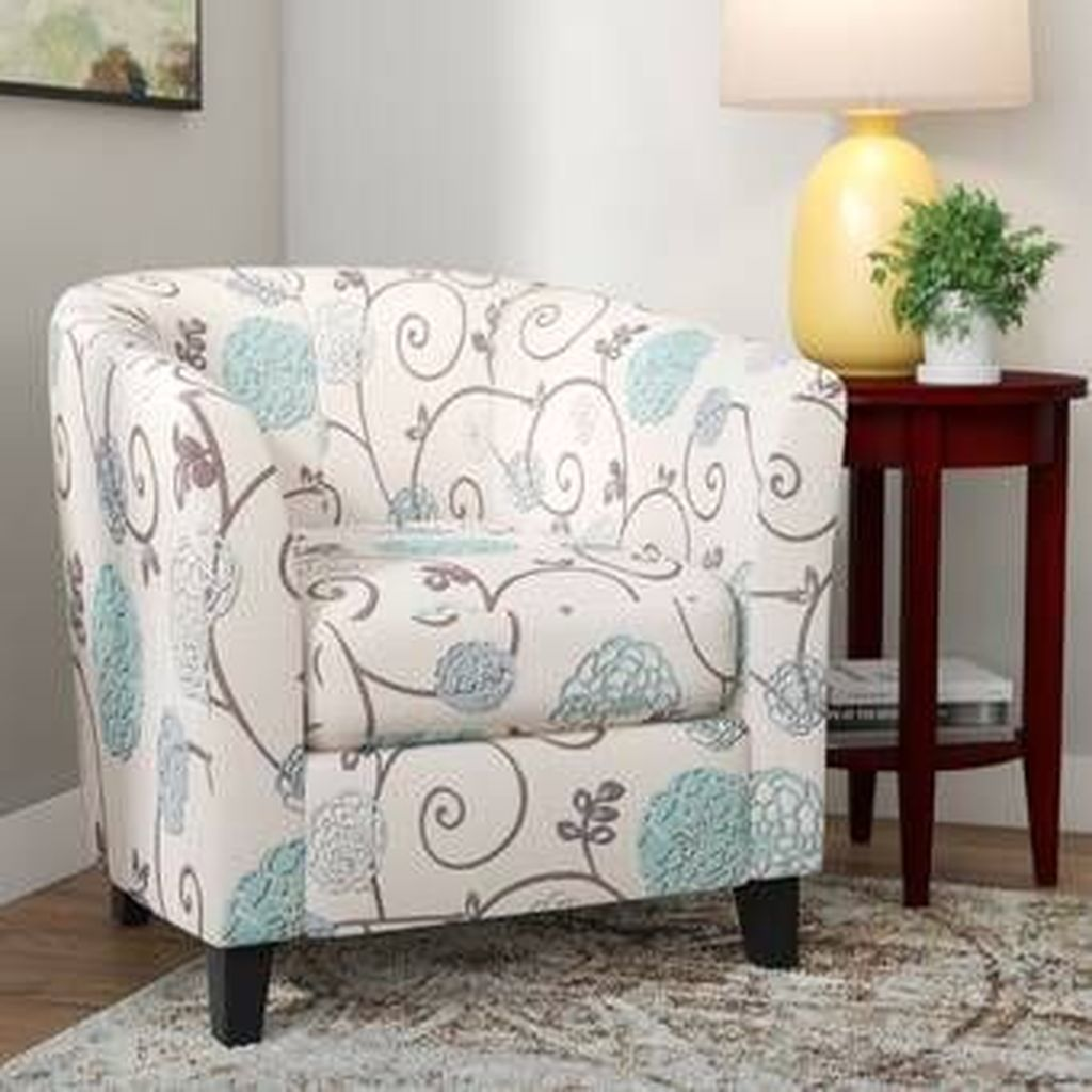 Gorgeous Comfy Chairs Design Ideas For Cozy Living Room 04
