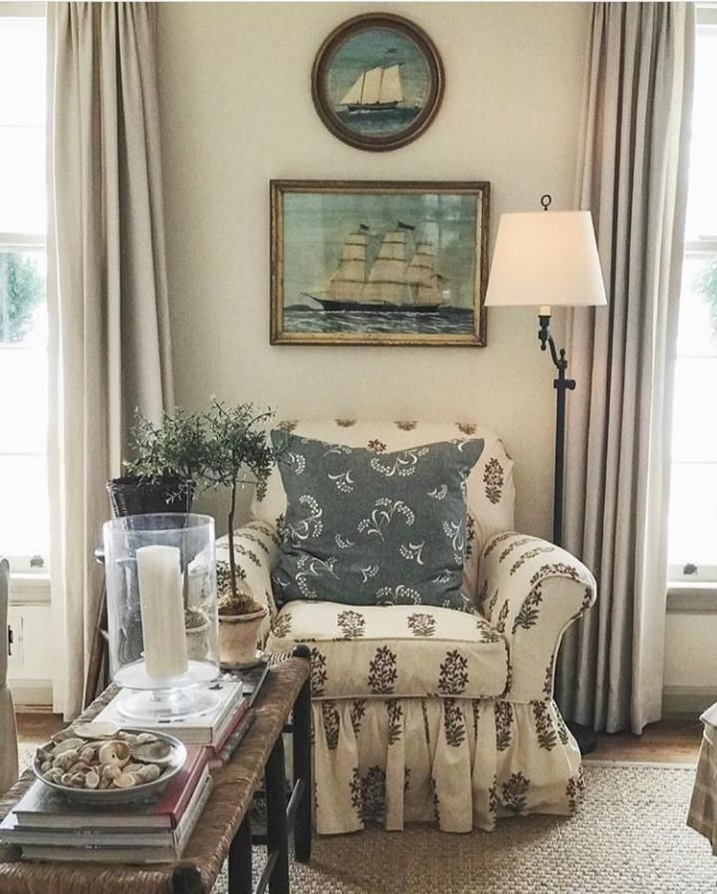Gorgeous Comfy Chairs Design Ideas For Cozy Living Room 12