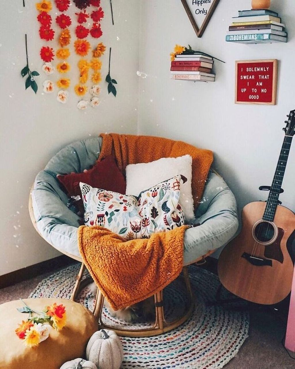 Gorgeous Comfy Chairs Design Ideas For Cozy Living Room 22
