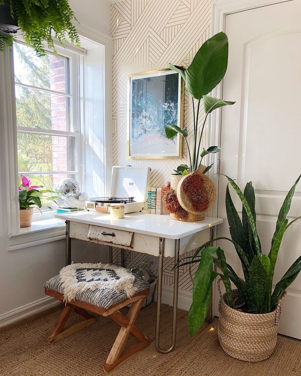 Inspiring Modern Home Furnishings Design Ideas 30