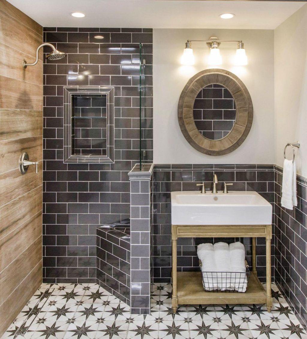 Inspiring Small Modern Farmhouse Bathroom Design Ideas 33