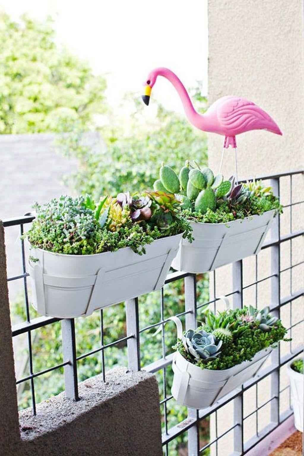 Inspiring Summer Apartment Balcony Decoration Ideas 05