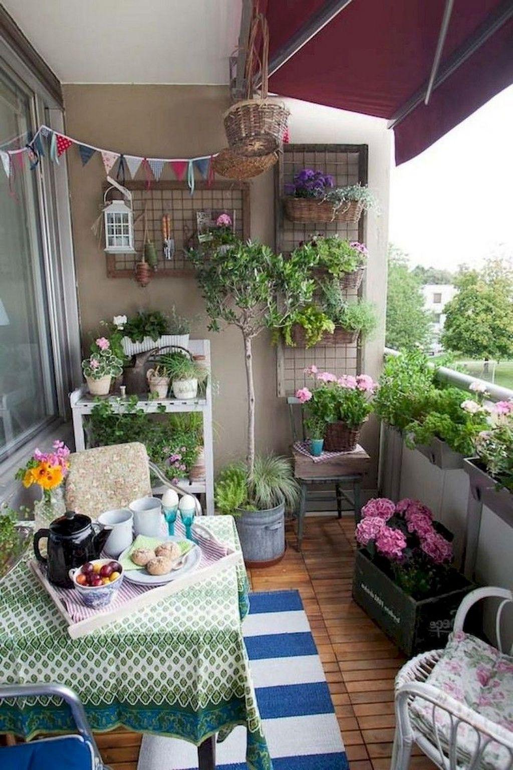 Inspiring Summer Apartment Balcony Decoration Ideas 29