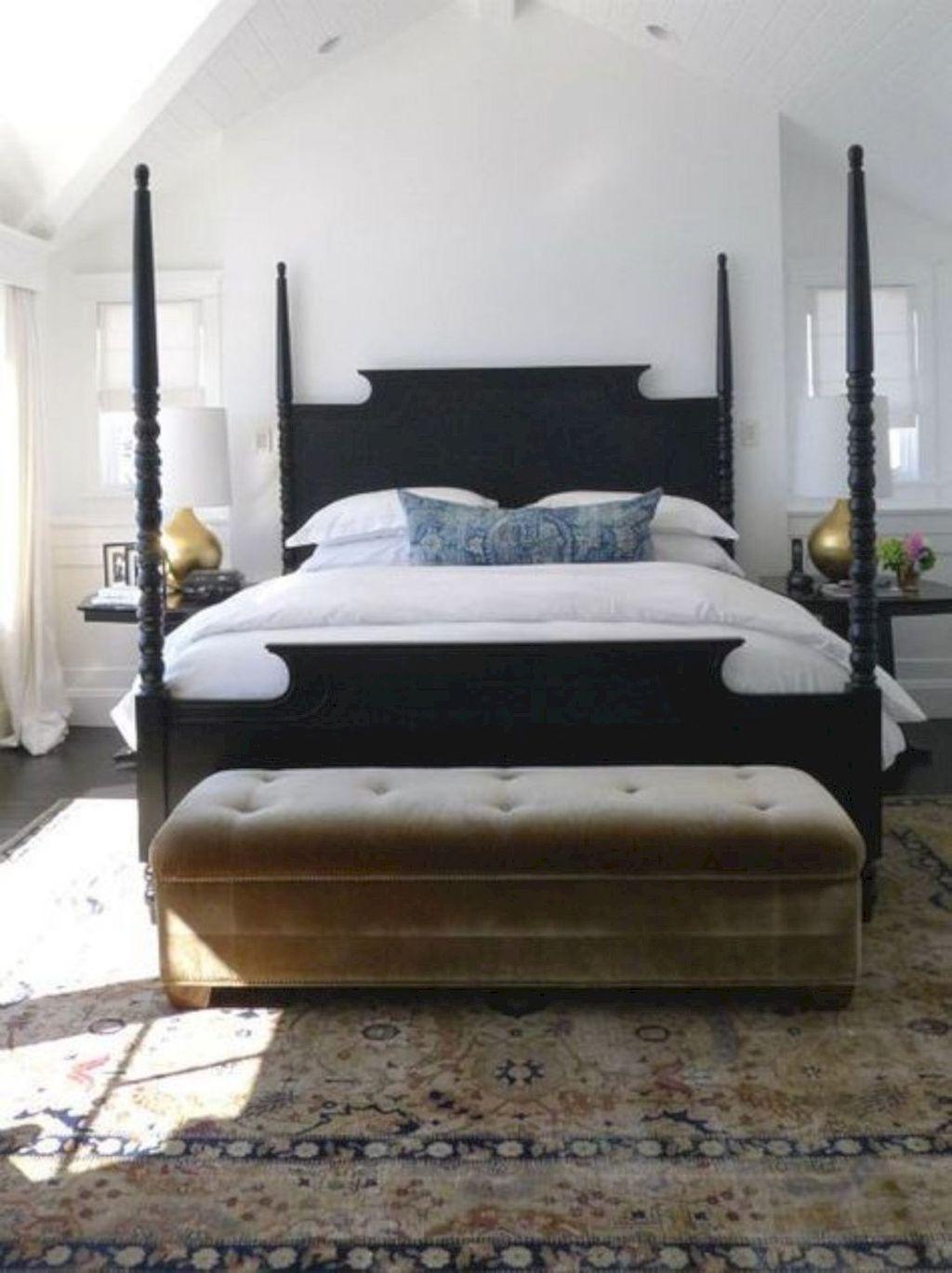 Inspiring Traditional Bedroom Decor Ideas 09