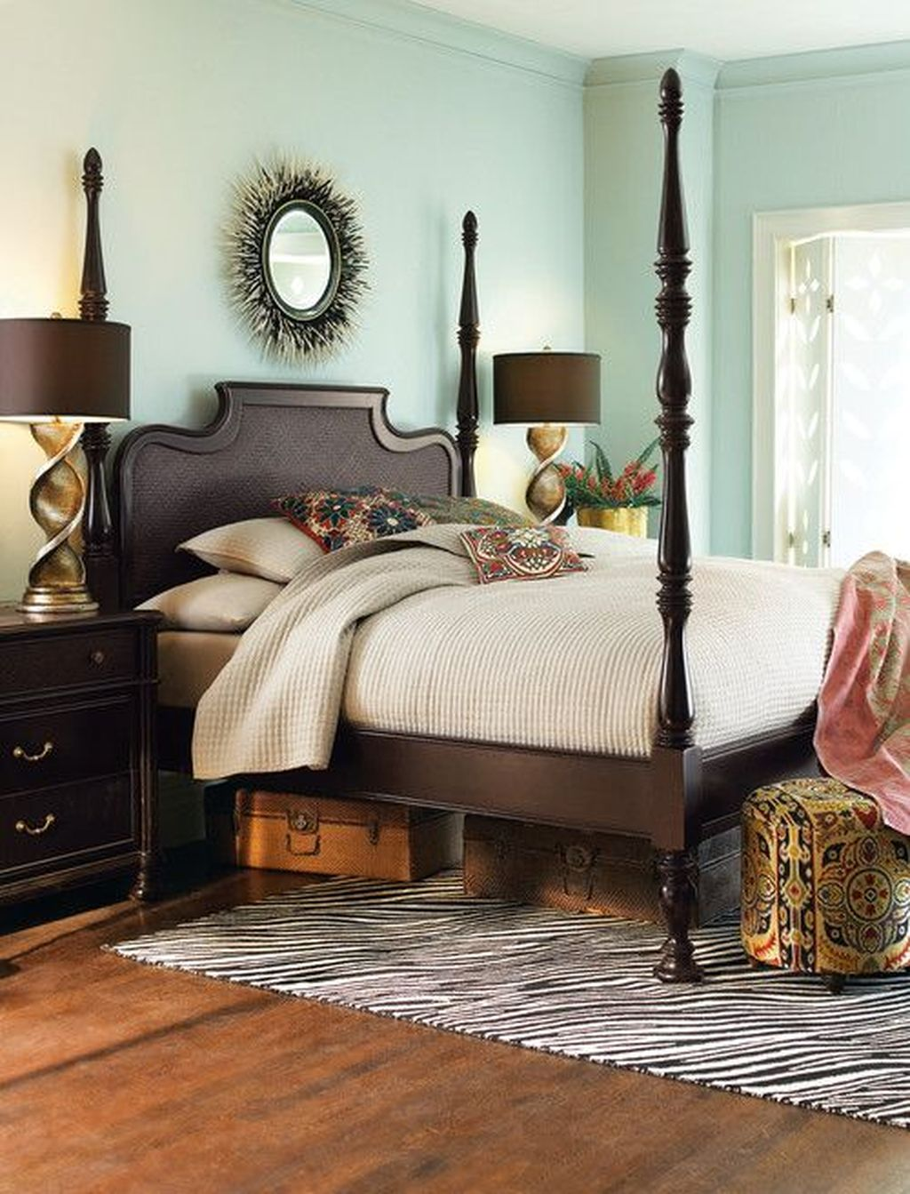 Inspiring Traditional Bedroom Decor Ideas 12