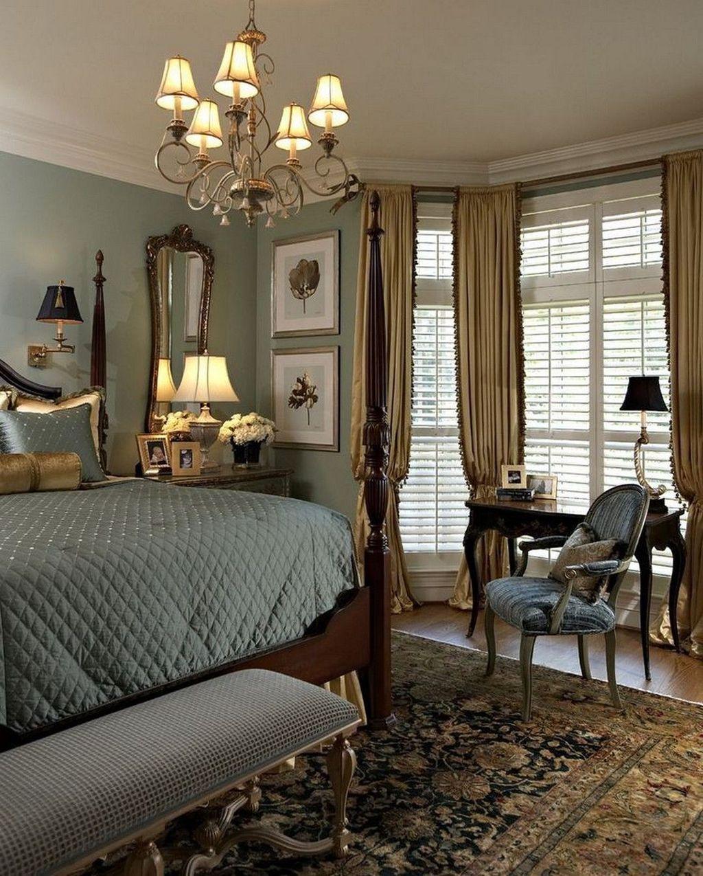 Inspiring Traditional Bedroom Decor Ideas 13