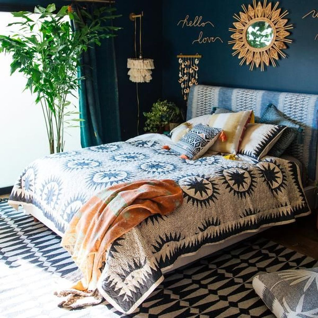 Lovely Eclectic Bedroom Decor Ideas 07