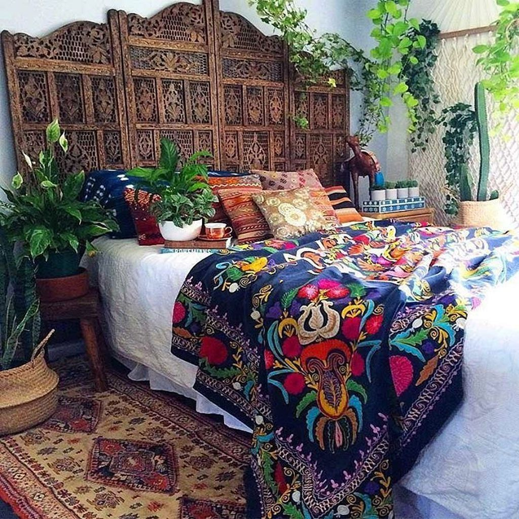 Lovely Eclectic Bedroom Decor Ideas 14