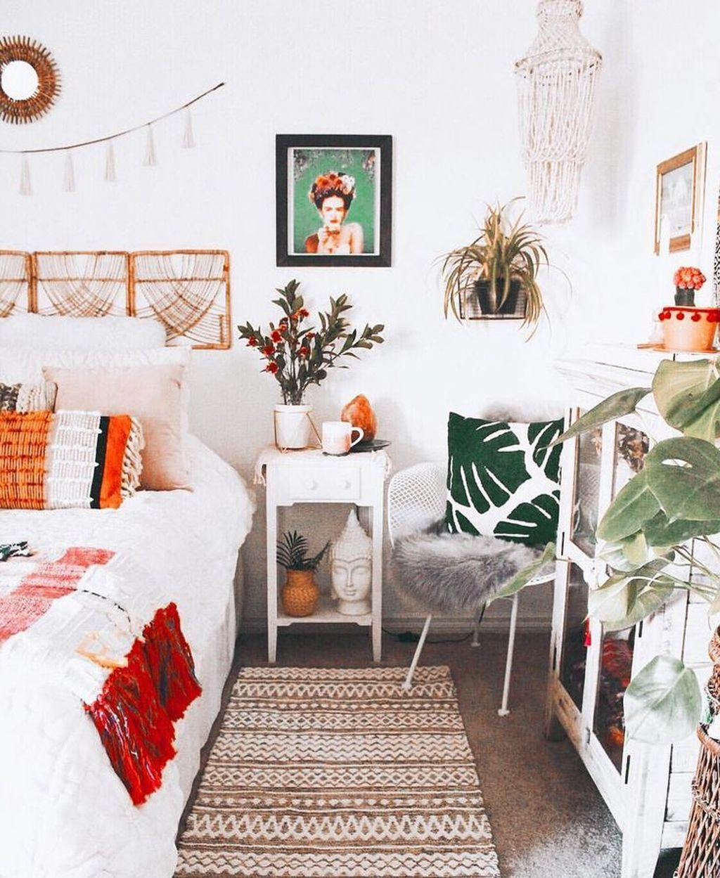 Lovely Eclectic Bedroom Decor Ideas 15