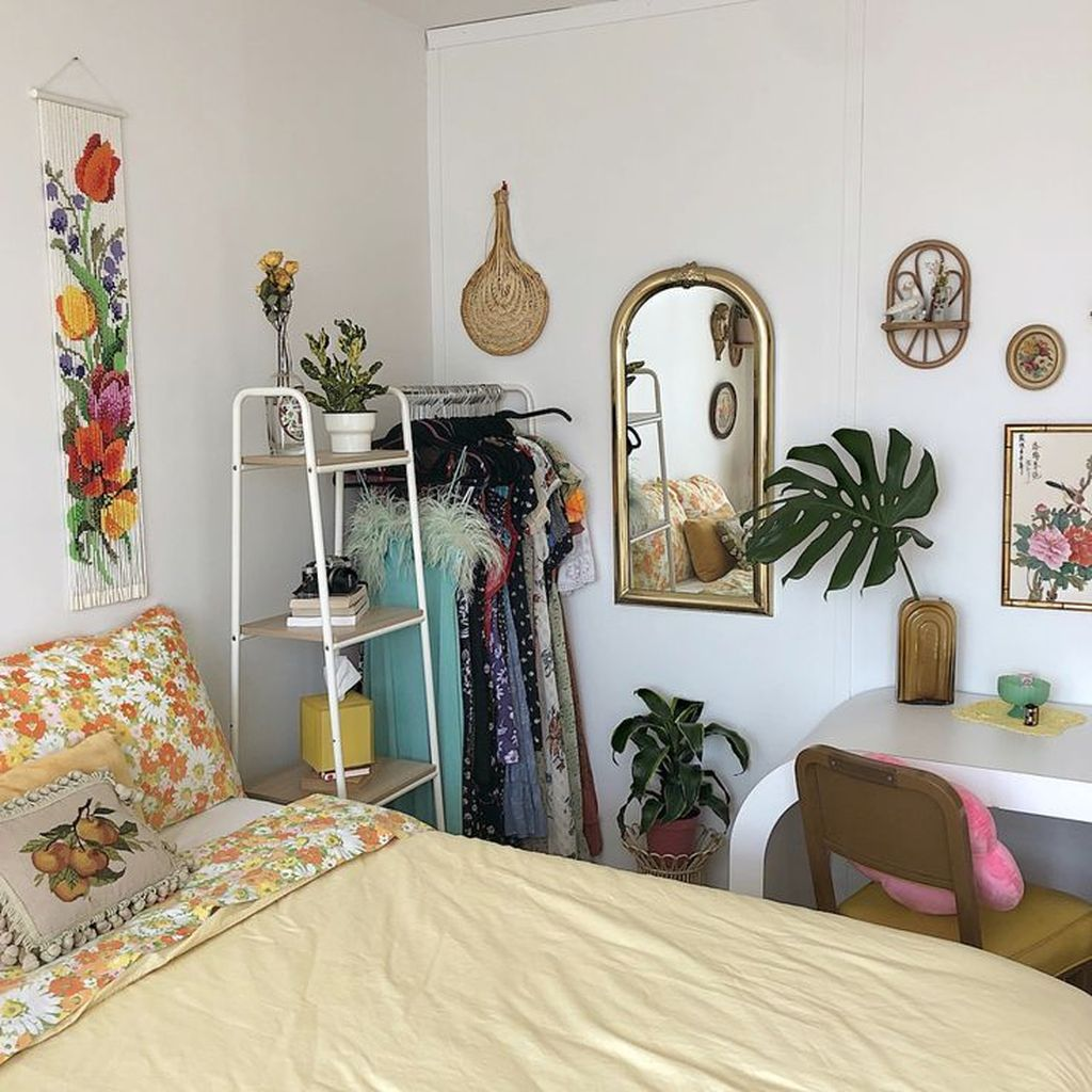 Lovely Eclectic Bedroom Decor Ideas 27