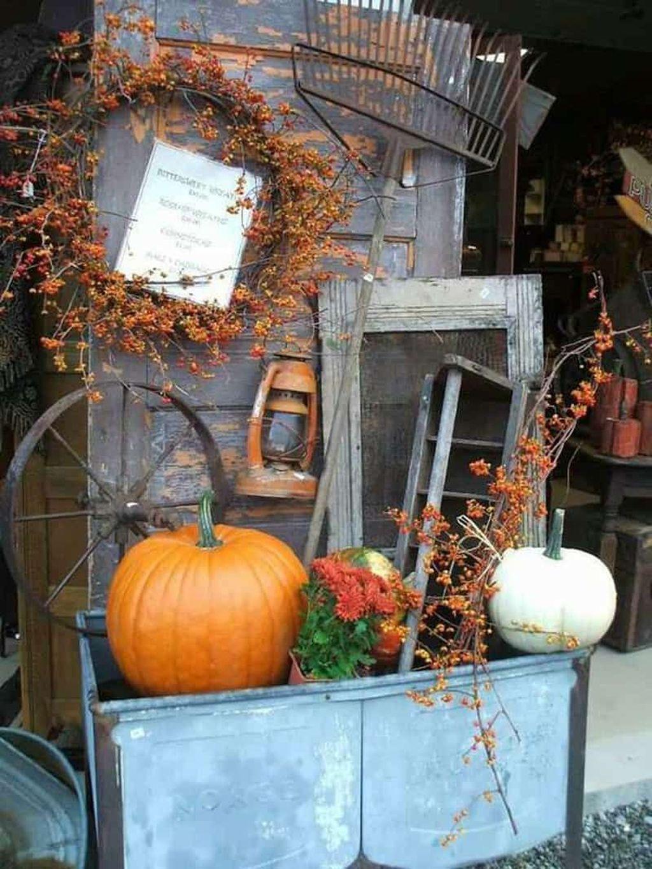Lovely Fall Pumpkin Decor Ideas 15