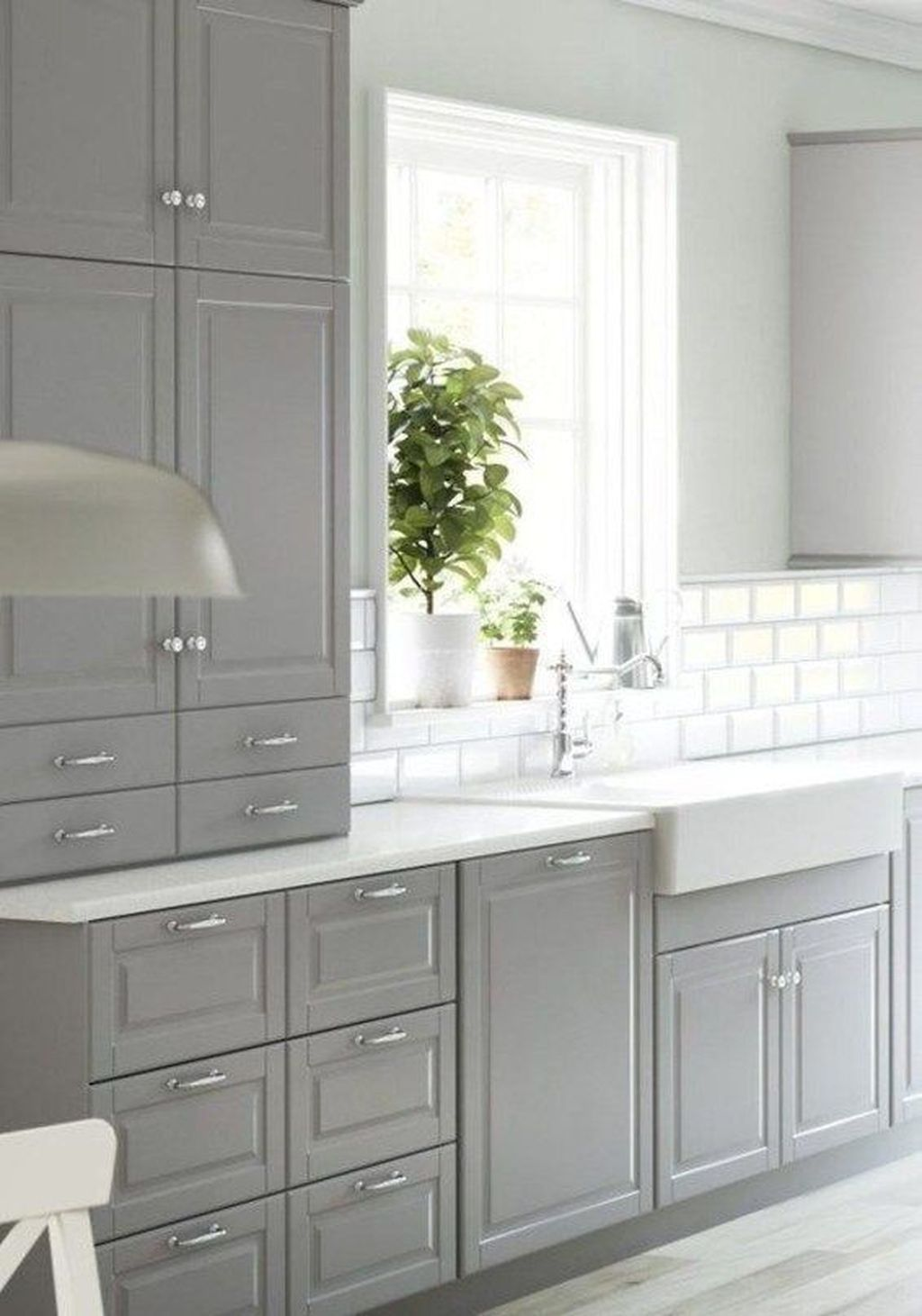 Lovely Grey White Kitchen Design Ideas 12