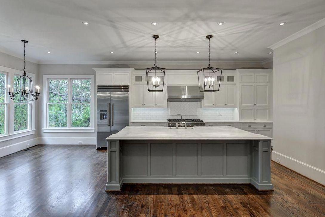 Lovely Grey White Kitchen Design Ideas 14