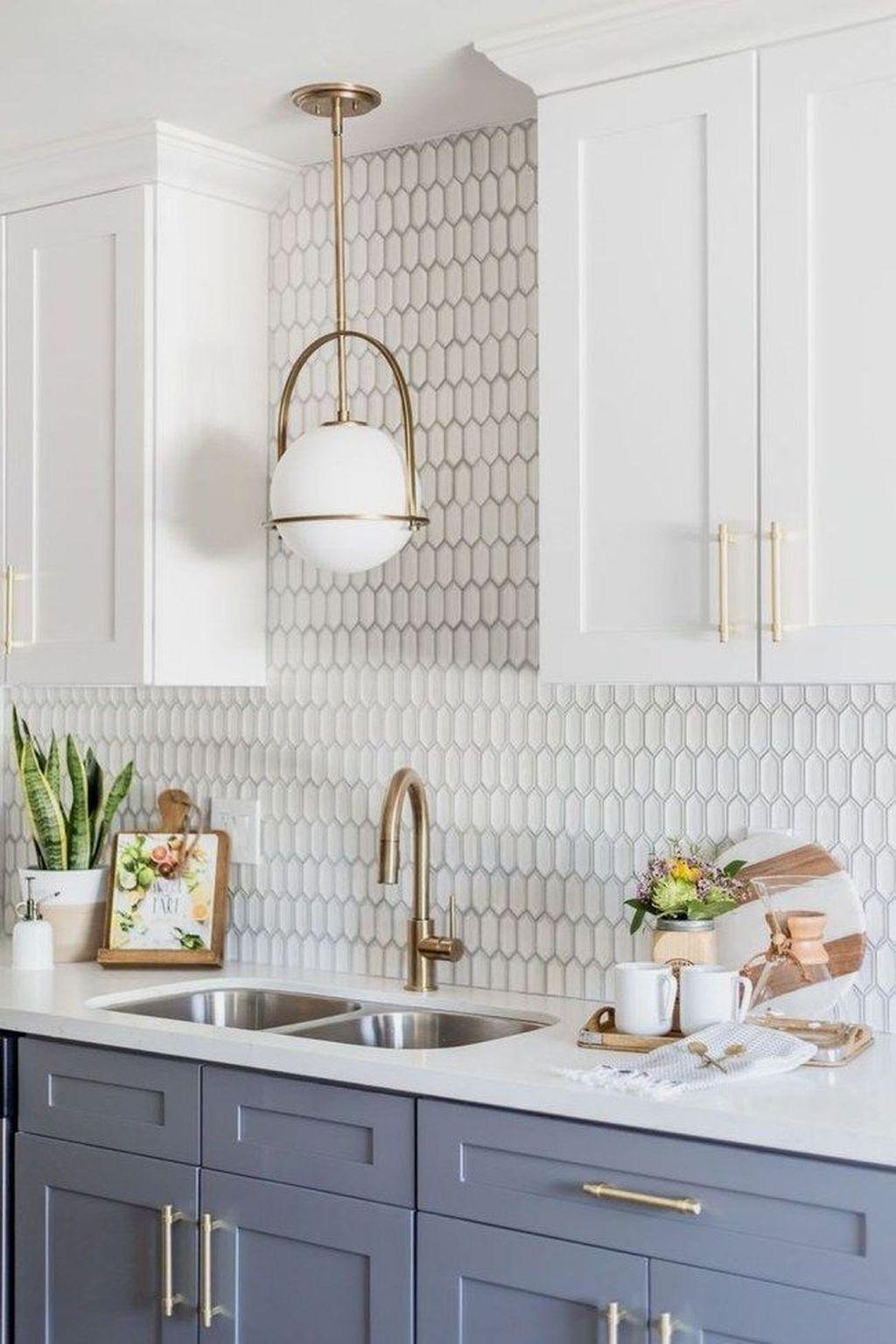 Lovely Grey White Kitchen Design Ideas 17