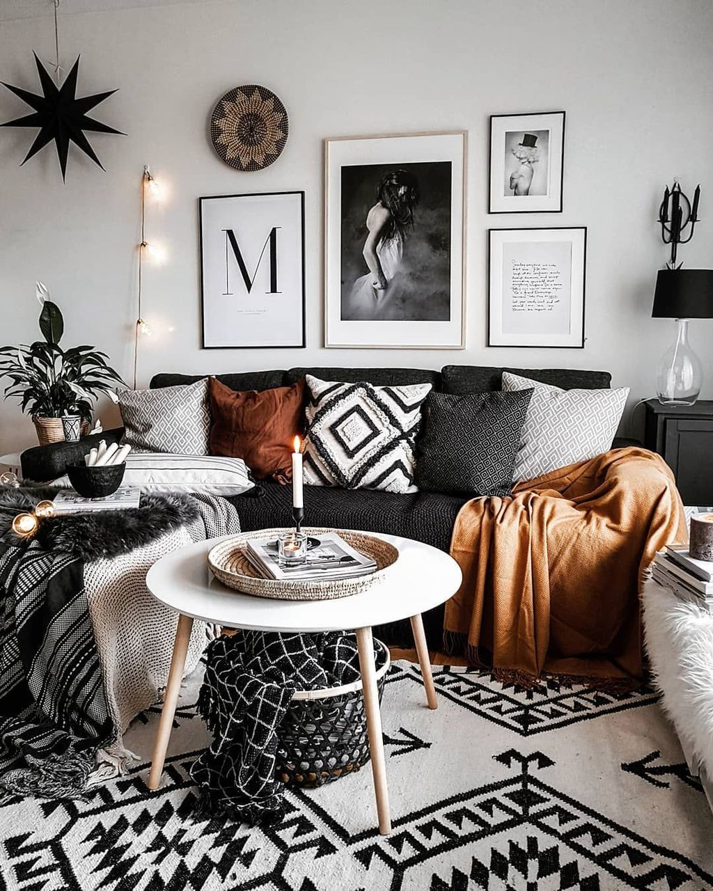 Lovely Moon Decor Ideas For Beautiful Home Decoration 03
