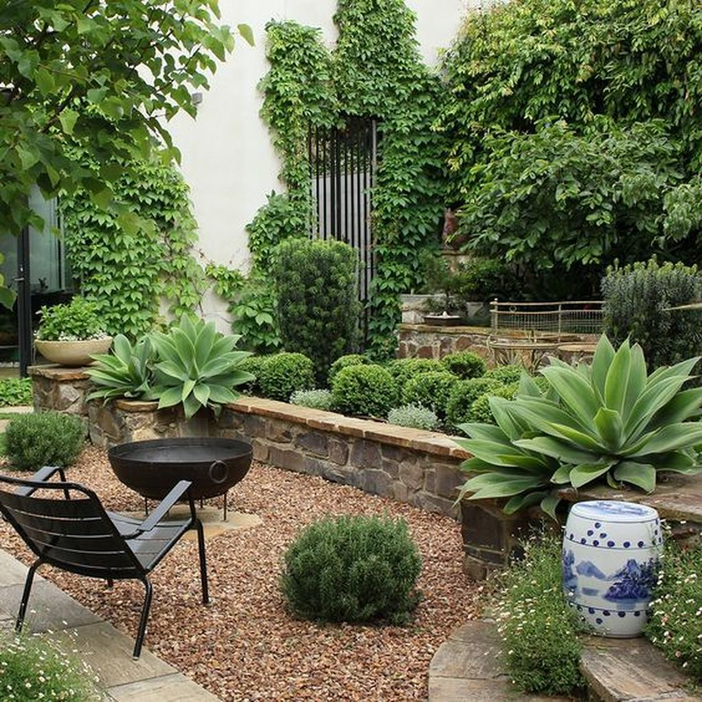 Lovely Tropical Garden Design Ideas 13
