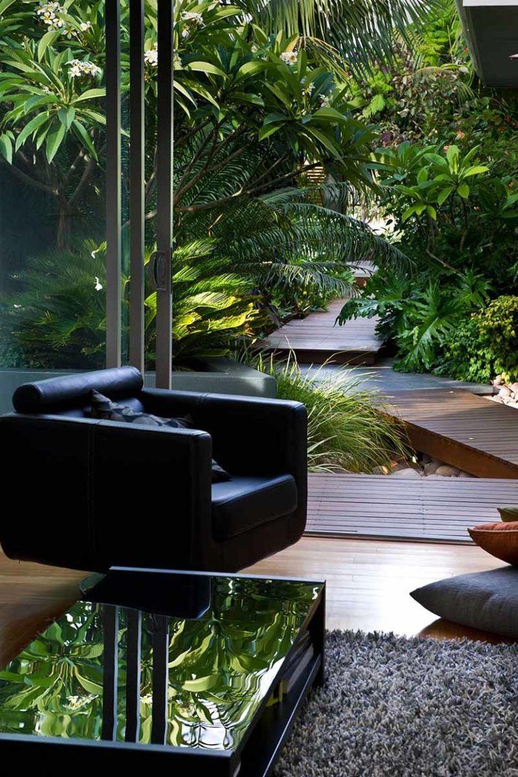 Lovely Tropical Garden Design Ideas 18