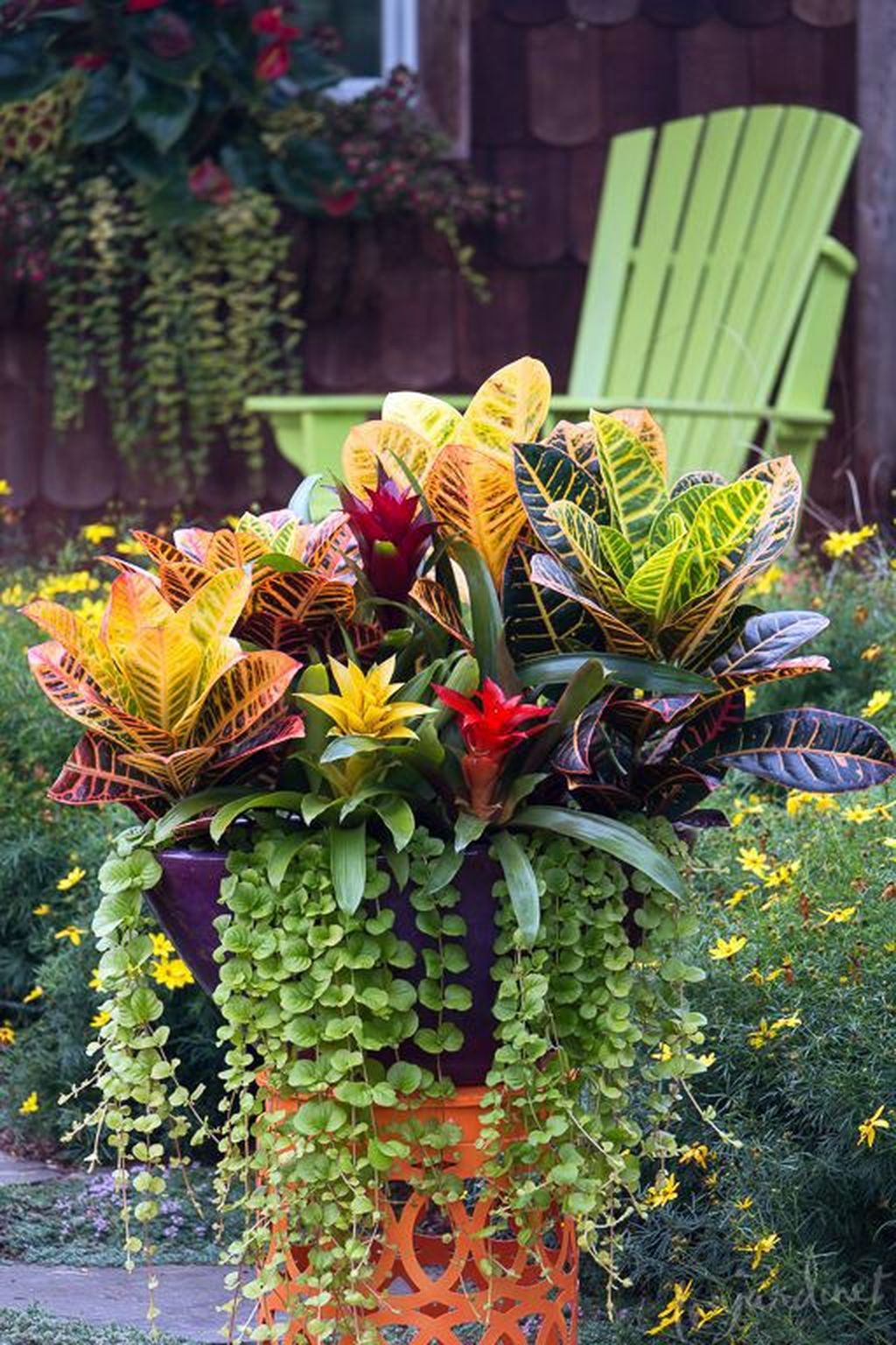 Lovely Tropical Garden Design Ideas 26