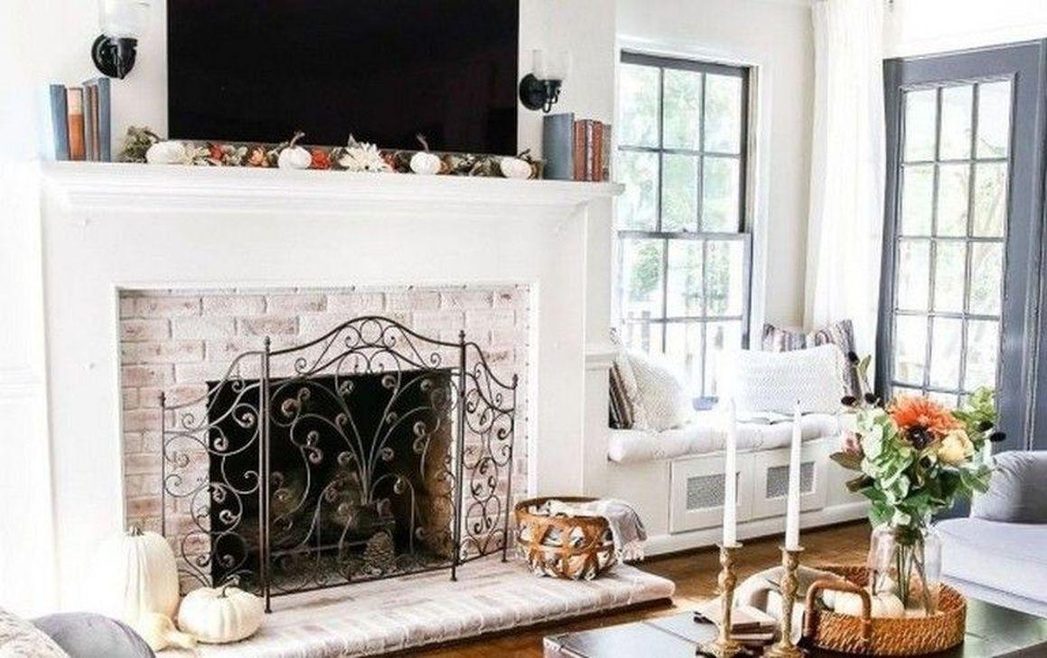 Popular Fall Fireplace Decoration Ideas 22