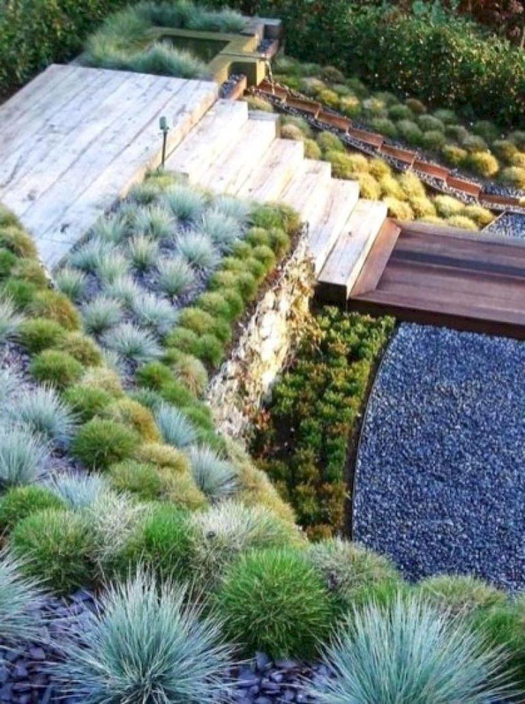 Popular Terraced Landscaping Slope Yard Design Ideas 16