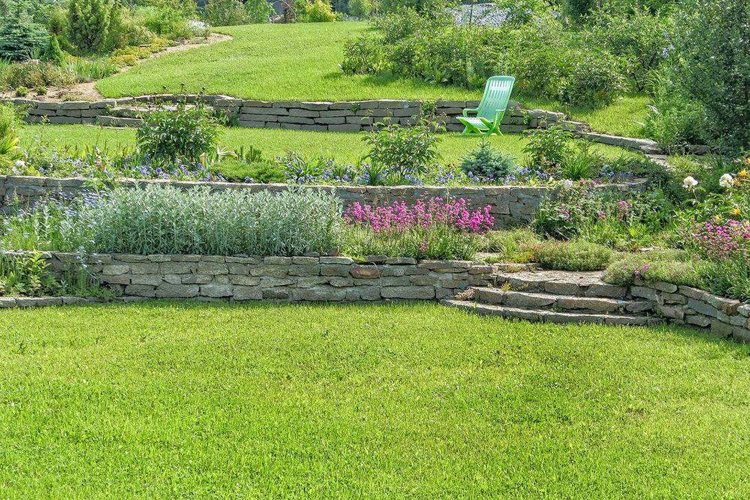 Popular Terraced Landscaping Slope Yard Design Ideas 17
