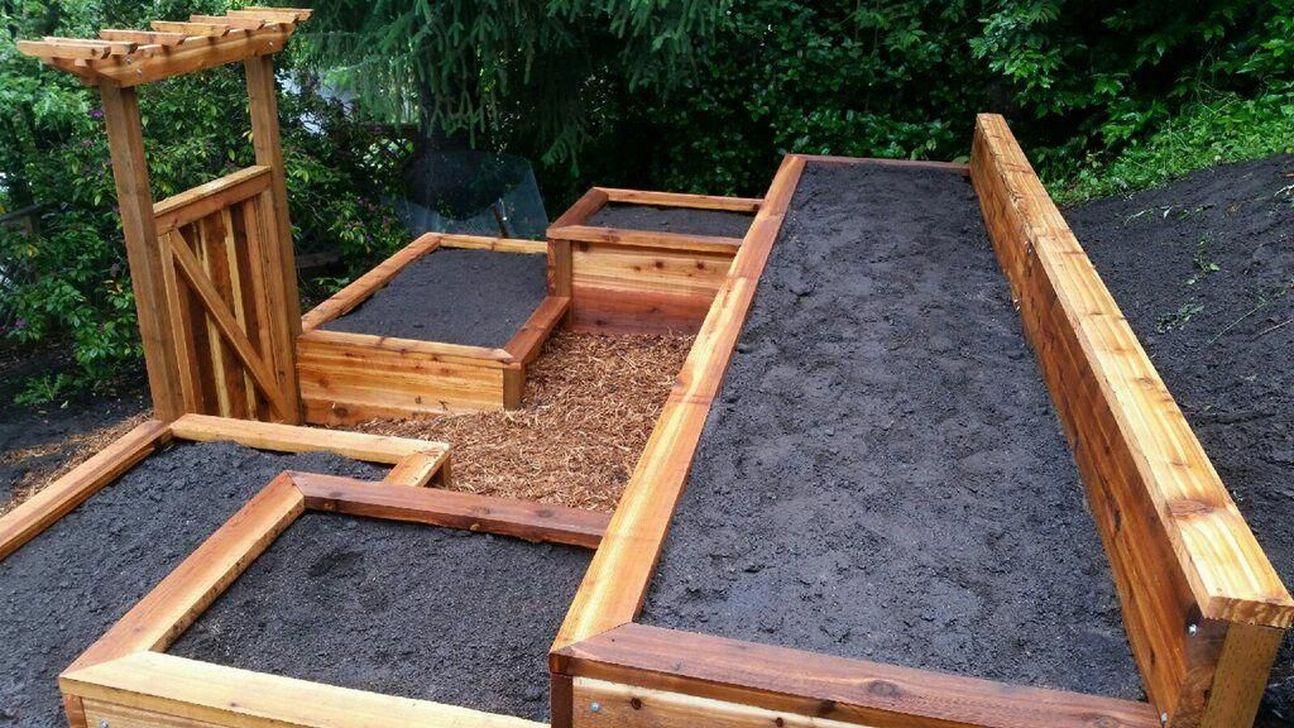Popular Terraced Landscaping Slope Yard Design Ideas 18