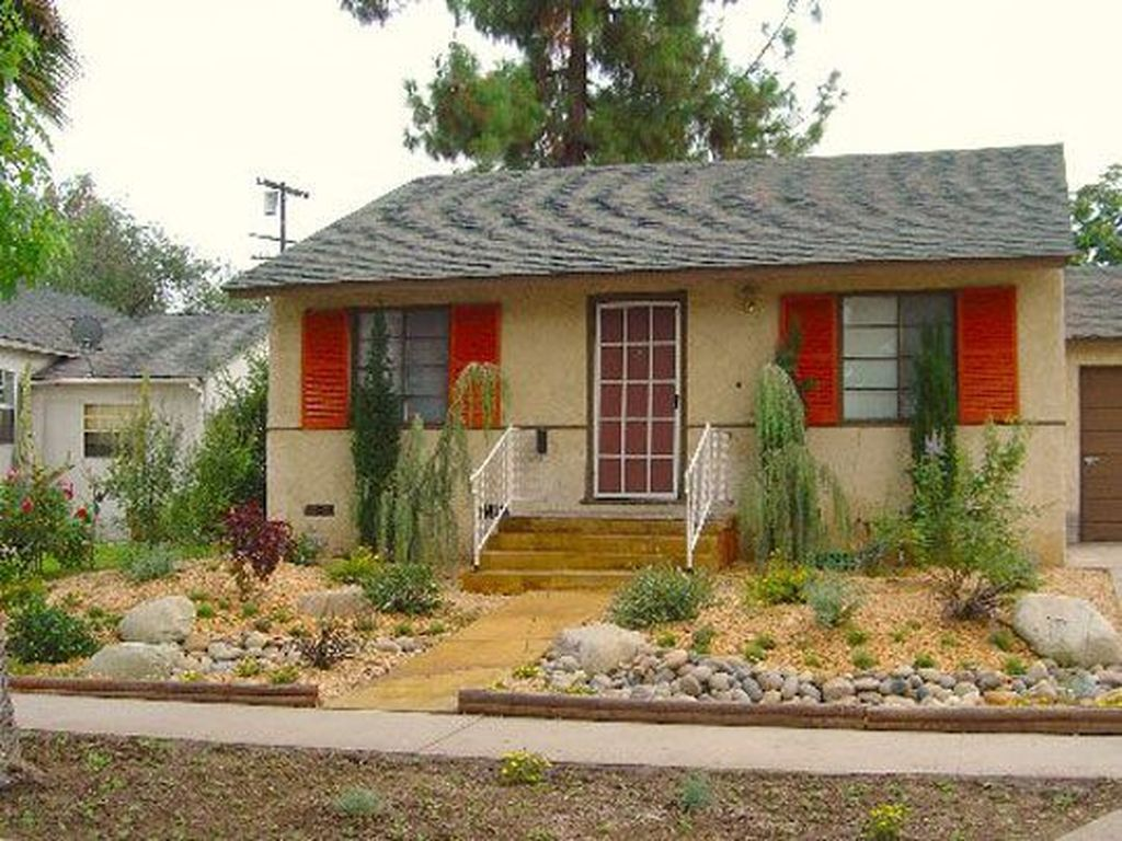 Popular Xeriscape Landscape Ideas For Your Front Yard 12