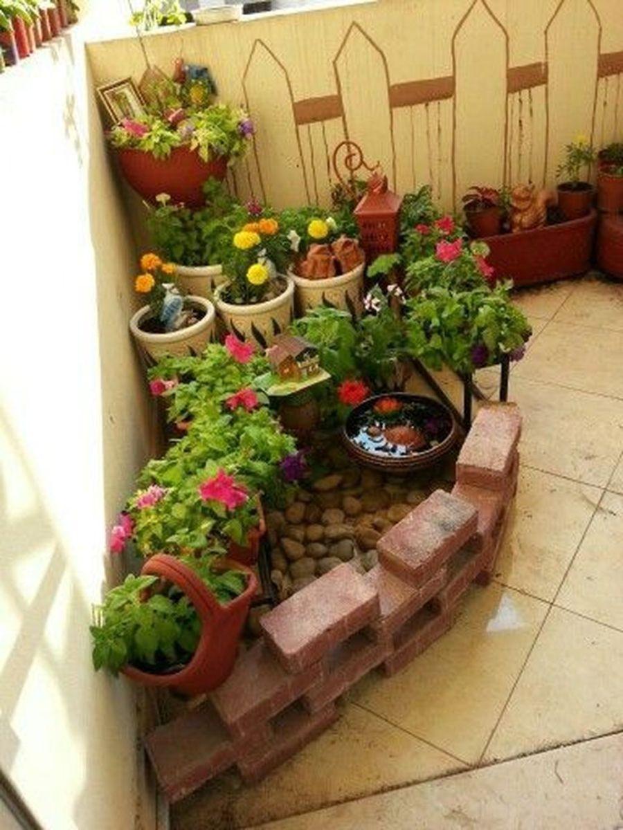 Stunning Apartment Garden Design Ideas 04