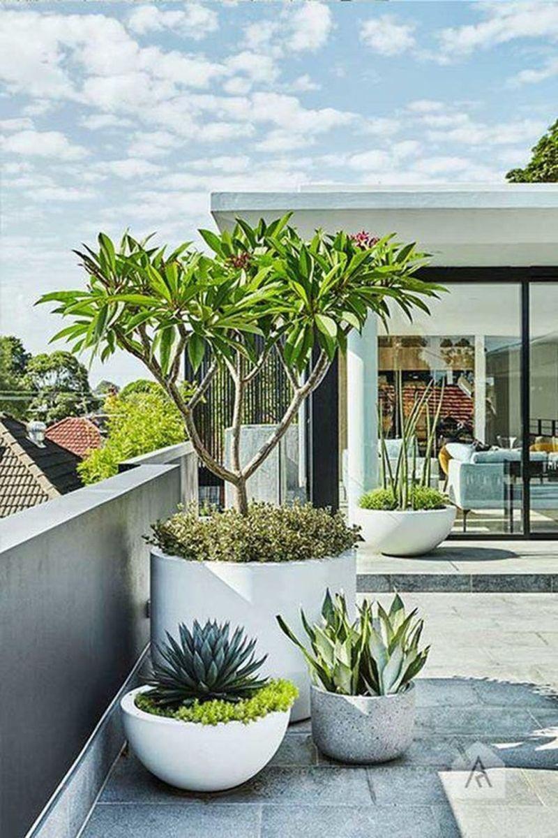 Stunning Apartment Garden Design Ideas 20