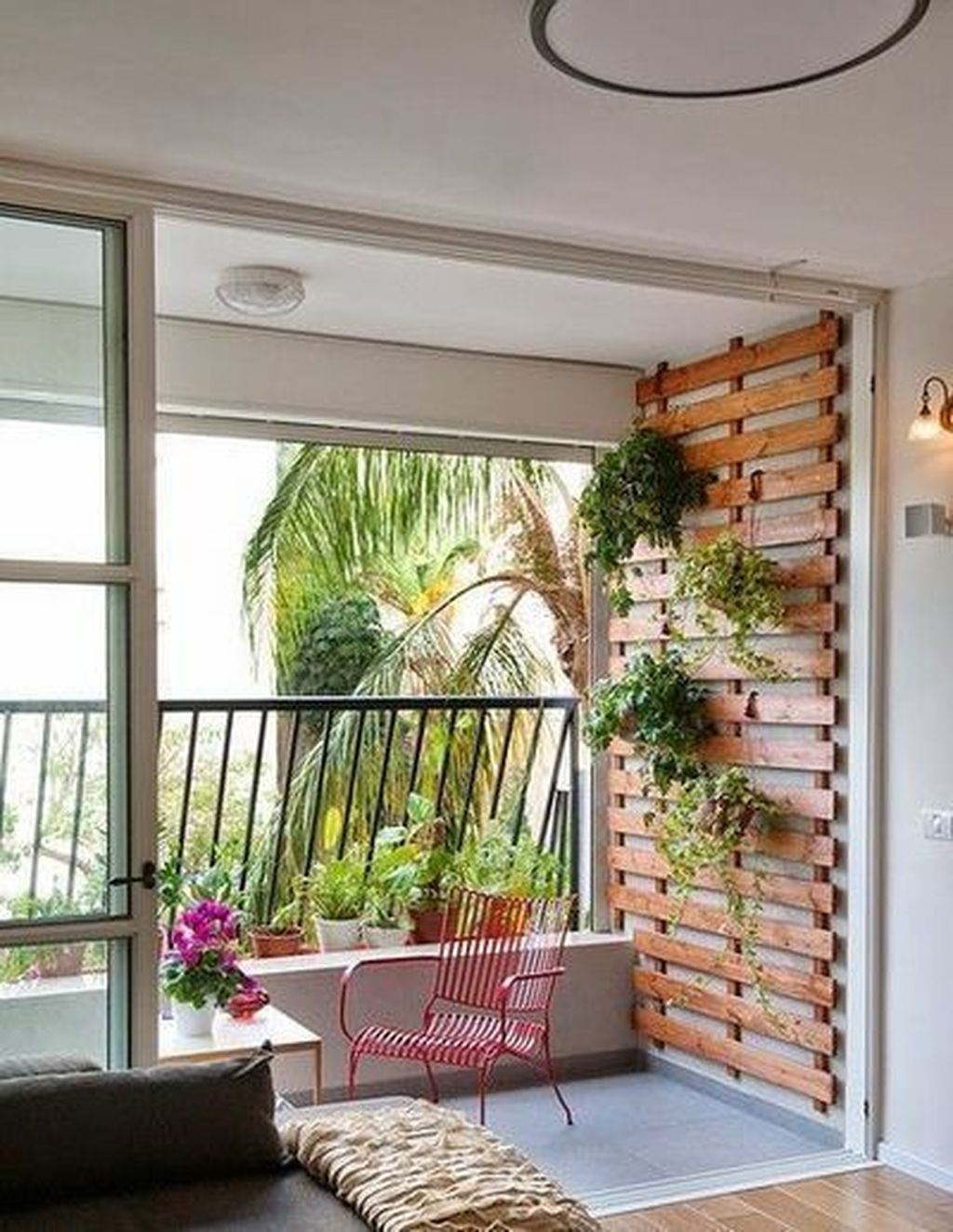 Stunning Apartment Garden Design Ideas 22