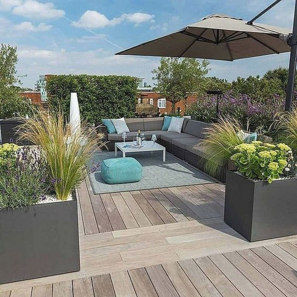 Stunning Apartment Garden Design Ideas 34