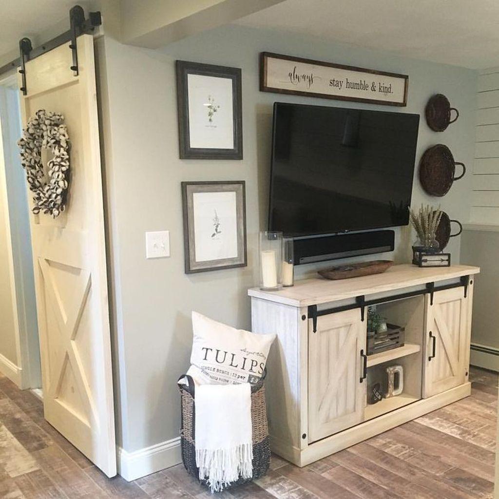 Stunning Farmhouse Living Room Decorating Ideas 18