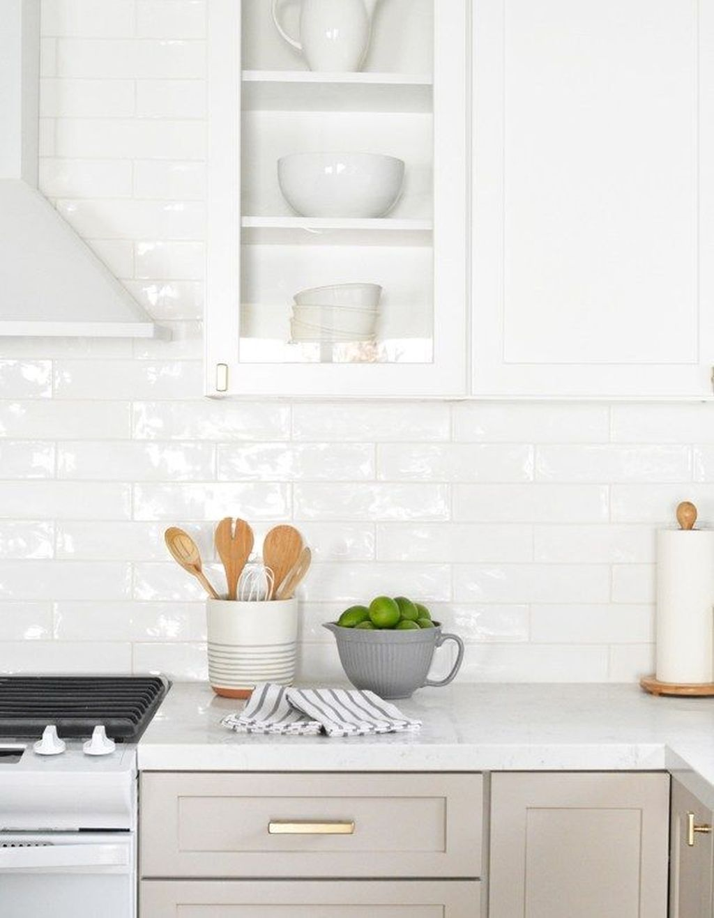 Stunning Glass Backsplash Kitchen Ideas 01