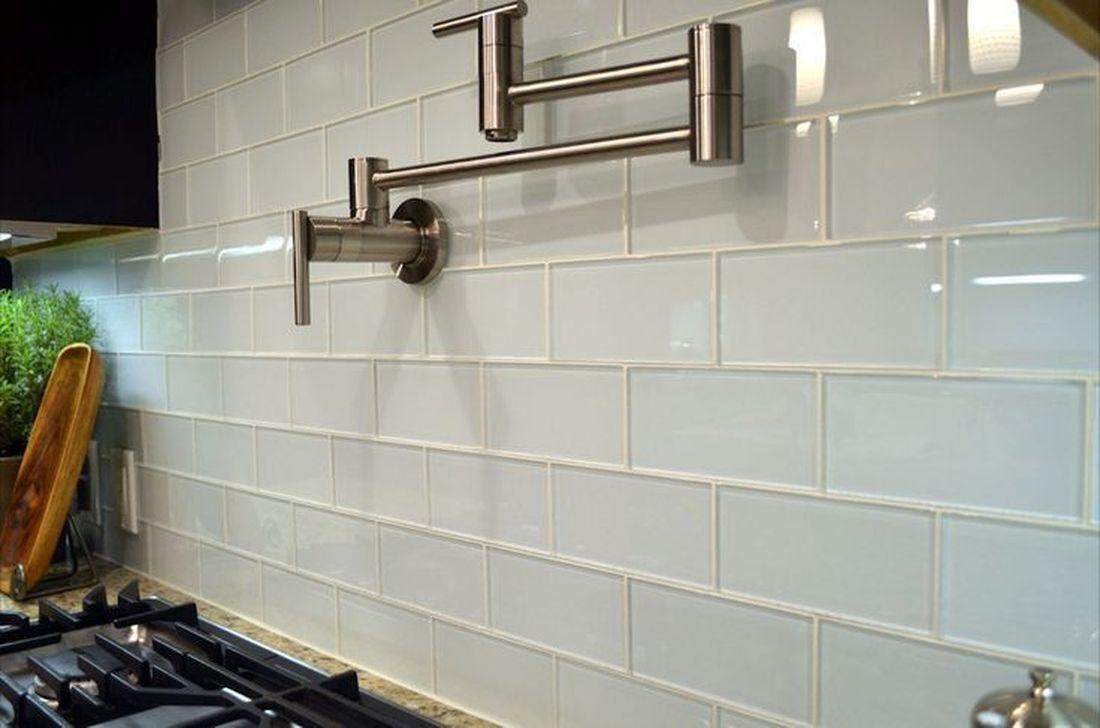 Stunning Glass Backsplash Kitchen Ideas 05