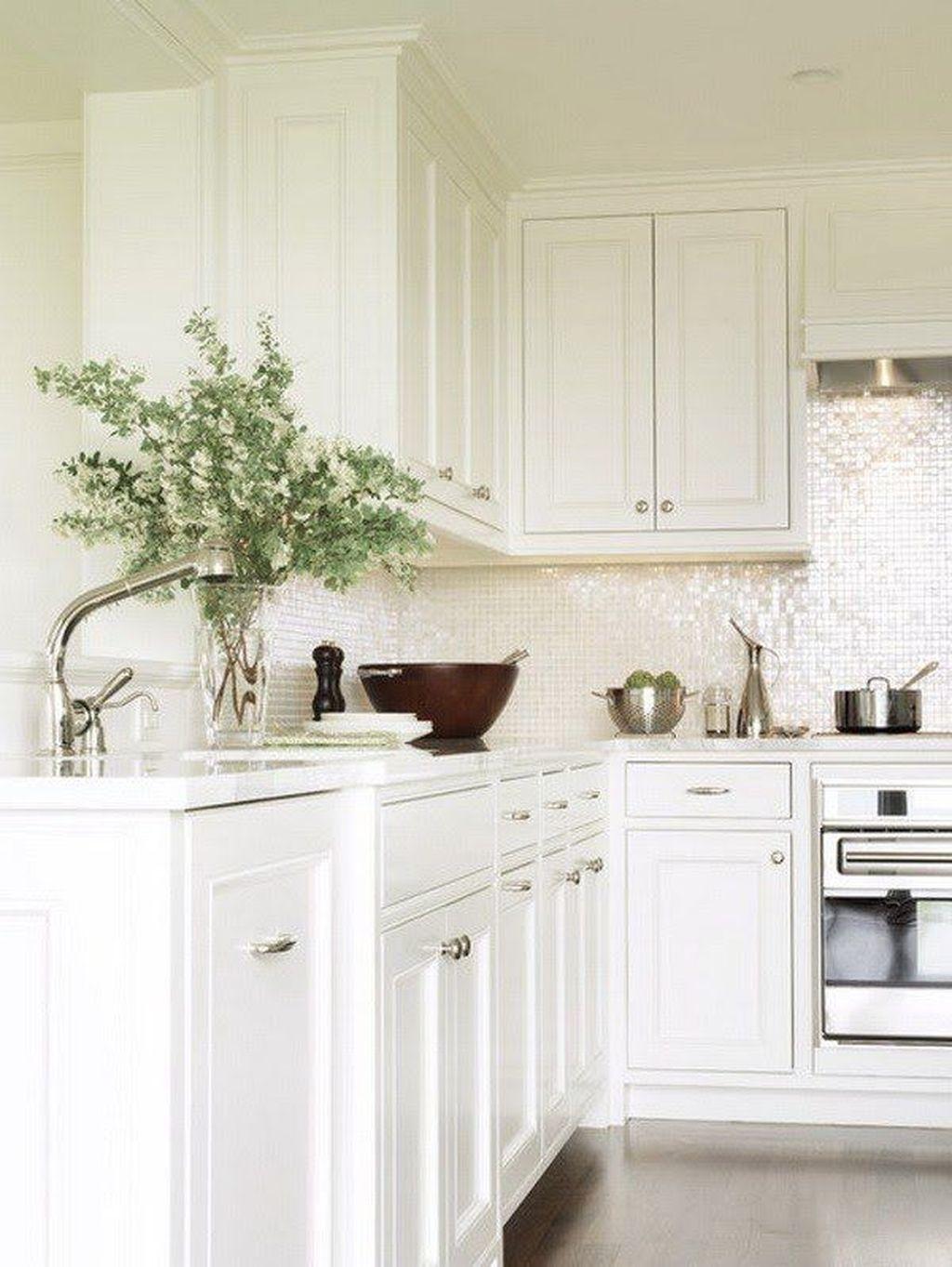 Stunning Glass Backsplash Kitchen Ideas 13