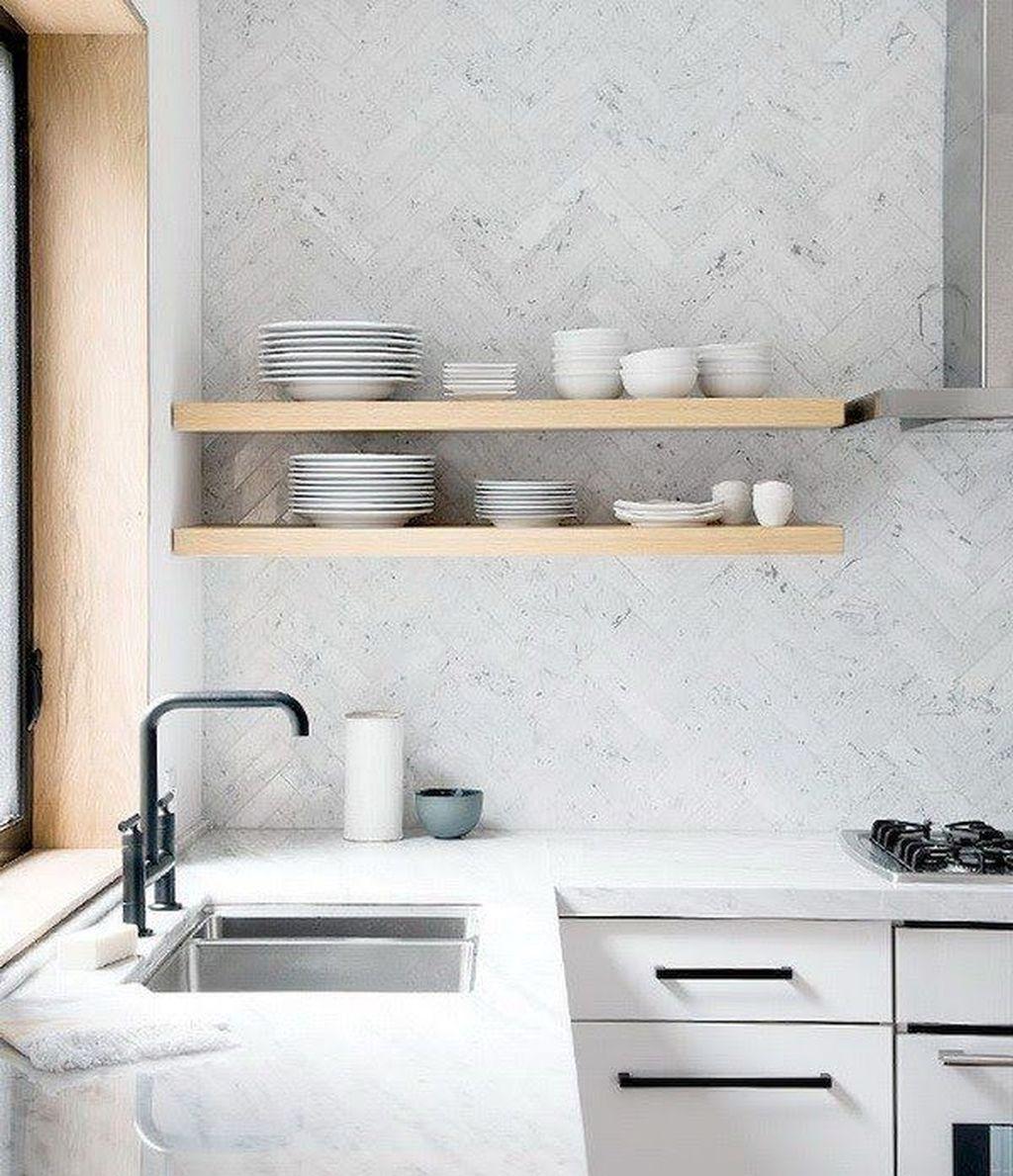Stunning Glass Backsplash Kitchen Ideas 19