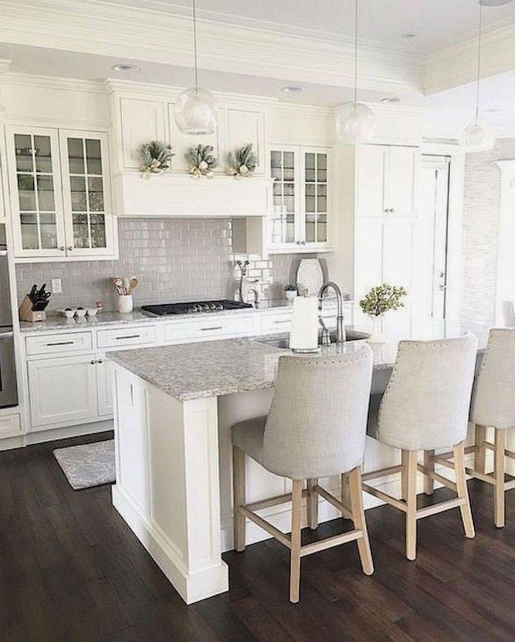 Stunning Glass Backsplash Kitchen Ideas 24